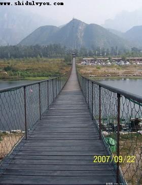孤山寨第一铁索桥